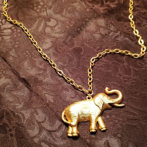 Elephant Pendant on Gold Tone 28 inch Chain. for Sale in Puyallup, WA