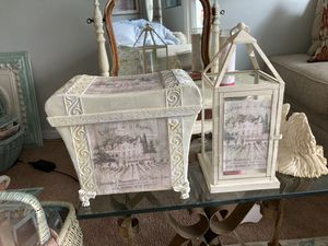 French country gorgeous set candle holder and books magazine set for Sale in Wheaton, IL