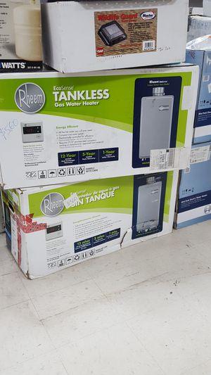 Rheem tankless gas water heater for Sale in Orlando, FL