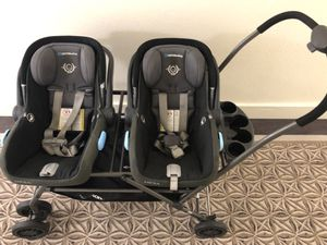 TwinRoo Infant Car Seat Frame Double Stroller for Sale in Los Angeles, CA