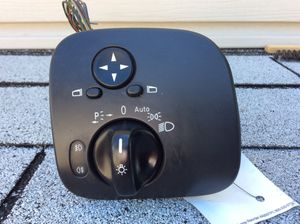 Mercedes Benz C. Headlight/Mirrors Switch. C240. for Sale in Queens, NY