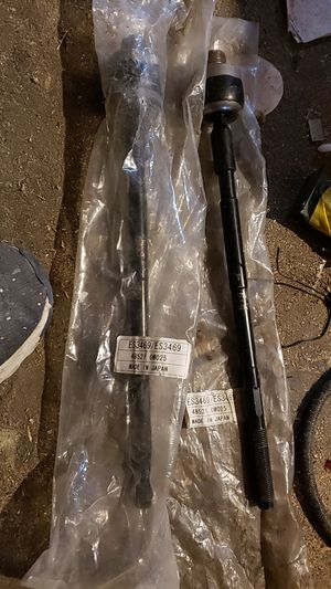 1996 Nissan pathfinder set of outer tie rods for sale for Sale in Berwyn, IL