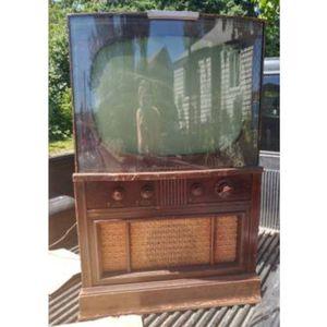 Vintage Retro Tv Set, Diy Bar Cabinet Or Movie Prop for Sale in Seattle, WA