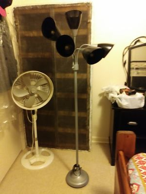 Floor lamp for Sale in Wake Forest, NC