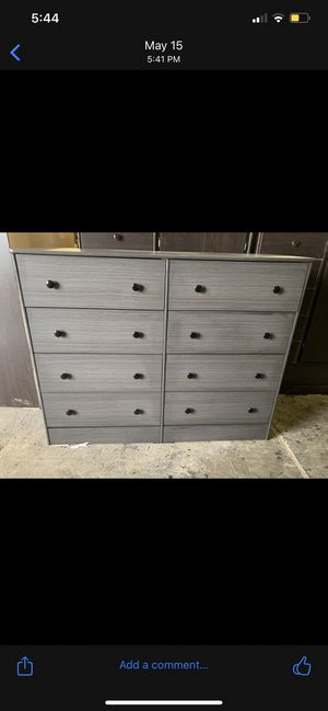 Grey 8 drawer dresser for Sale in Los Angeles, CA