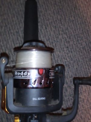 2 fishing rods 1 reel for Sale in Fort Lewis, WA