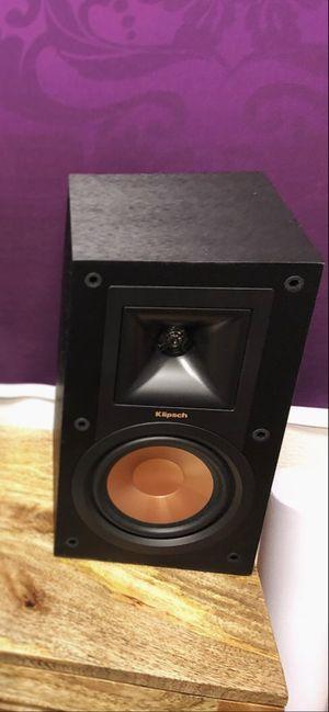 Klipsch R-15M bookshelf speakers (pair) & R-8SW subwoofer for Sale in Henderson, NV