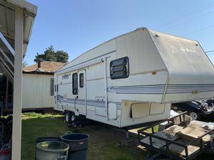 Fifth Wheel Camper for Sale in Clovis, CA