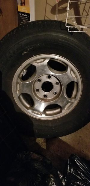 Chevy Tahoe rim size 16 for Sale in Darnestown, MD