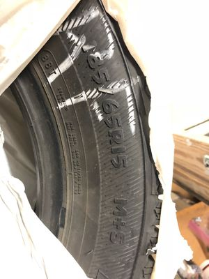 185/65R15 (4 Studded Snow Tires) for Sale in Vancouver, WA