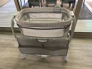 $75 like new baby bassinet for Sale in Frisco, TX