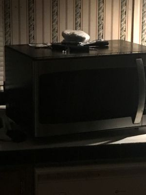 Microwave for Sale in Greenville, NC