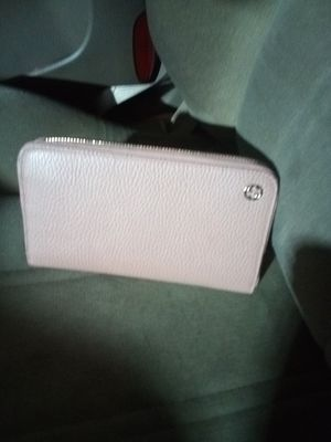Gucci wallet pink for Sale in French Camp, CA