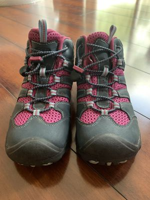 Keen Hiking Shoes size 3 kids for Sale in Rockville, MD