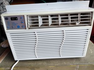 ge window AC with remote and window fittings for Sale in Vancouver, WA