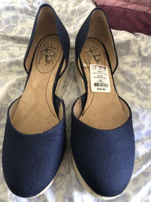 Sapatos size 7 for Sale in Victorville, CA