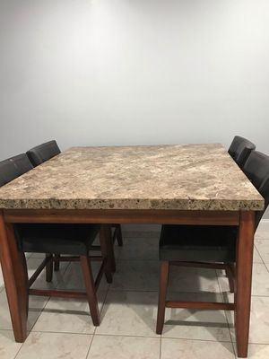City Lights Square Marble High Table with 4 Upholstered Barstools and the matching console table for Sale in Pembroke Pines, FL