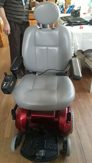Handicap chair for Sale in Waterbury, CT