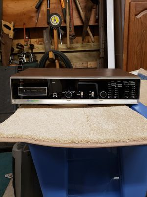 Vintage Electrophonic 8 Track Stereo Receiver w/Speakers for Sale in Maynard, MA