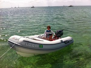 11 inflatable boat with hard bottom for Sale in Miami, FL