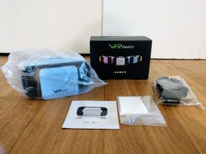 VR headset with adjustable lens width and zoom for Sale in Saugus, MA