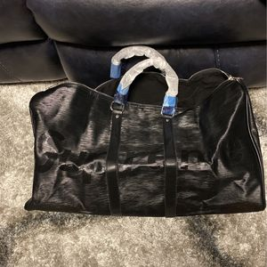 Big Duffle Bag for Sale in Bellwood, IL