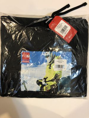 Supreme The North Face Hoodie FW18 Large for Sale in Amherst, OH