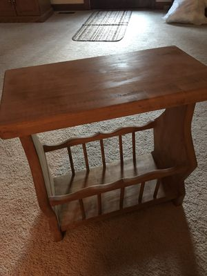 Wooden magazine end table for Sale in Durham, NC