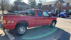 2001 Chevy Silverado extended cab 4x4 for Sale in Columbus, IN