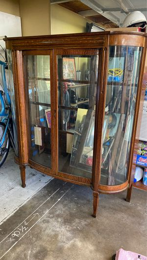 Antique liquor china cabinet $450 for Sale in Long Beach, CA