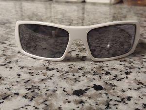 White Oakley Sunglasses for Sale in Pasadena, TX
