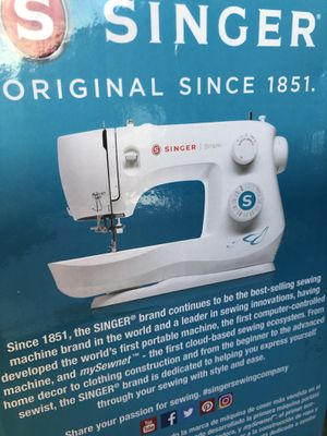Singer 3337 Sewing Machine new in box for Sale in Sugar Land, TX
