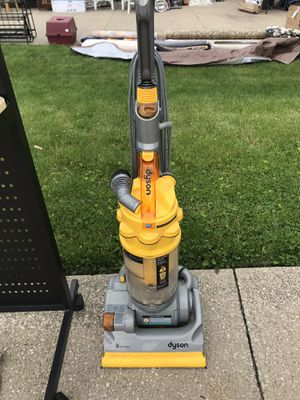 Dyson Vacuum Cleaner for Sale in Solon, OH