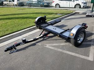 Black and chrome 2018 Tow dolly for Sale in Los Angeles, CA