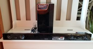 SAMSUNG SOUND BAR with REMOTE Used like new working condition! for Sale in Tacoma, WA