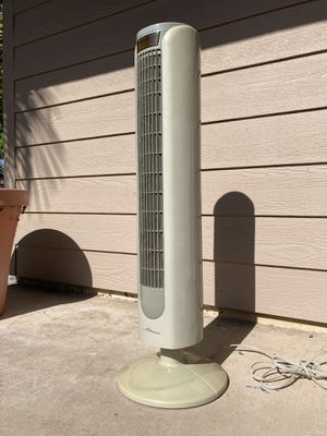 """35"""" Aloha Breeze Tower fan (not currently oscillating) for Sale in San Diego, CA"""