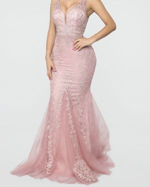 Pink formal dress size M (size 8) for Sale in Rockville, MD