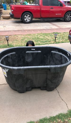 Rubbermaid 100 gallon tub stock tank new for Sale in Phoenix, AZ