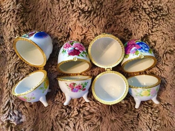 Porcelain jewelry beauty blender containers Asian style