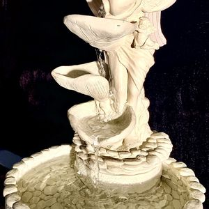Gorgeous Art Plastered Clay Sculpture Electric Water Fountain H15xW10 Inch for Sale in Chandler, AZ