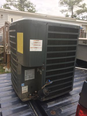 Goodman 2 1/2 tons unit Freon R22 for Sale in Cameron, NC
