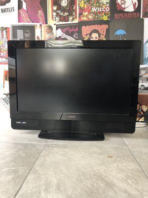 Vizio 32 inch Flat Screen TV HDTV10A for Sale in Orlando, FL