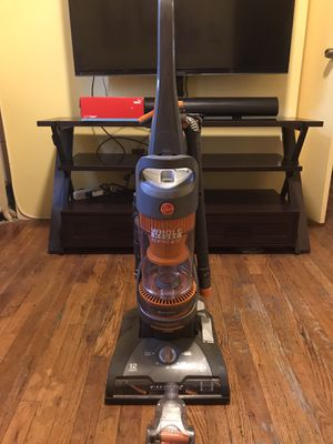 Vacuum cleaner Hoover 12 amps for Sale in Queens, NY