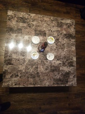 Coffee table and end table for Sale in Chicago, IL