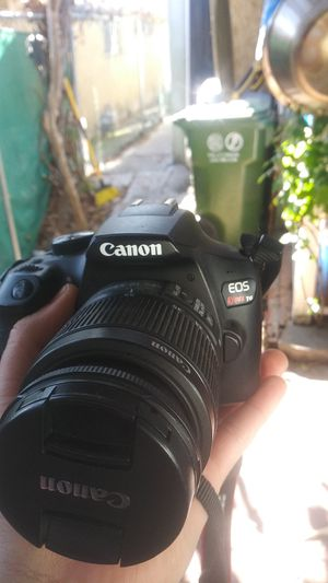 Canon eos rebel t6 camera for Sale in CRYSTAL CITY, CA