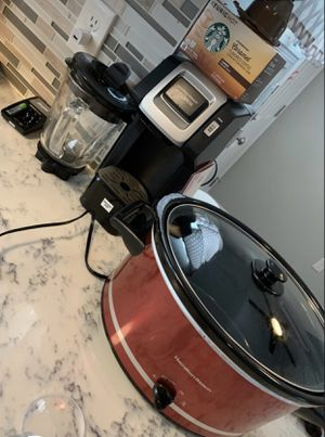 Crock pot, coffee maker and blender for Sale in Kaneohe, HI