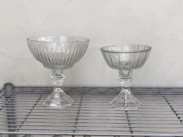 Wedding centerpiece vessels/vases for flowers