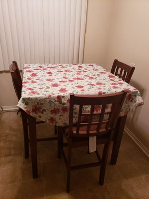 Kitchen table for Sale in Alhambra, CA