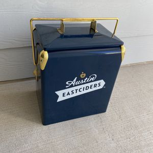 Austin Eastciders 18 -Retro cooler for Sale in San Antonio, TX