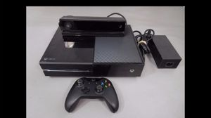 Xbox one with 2 controllers and Kinect for Sale in Portland, OR